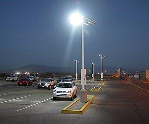 Фирма Carmanah выпускает новые уличные светильники на солнечной энергии